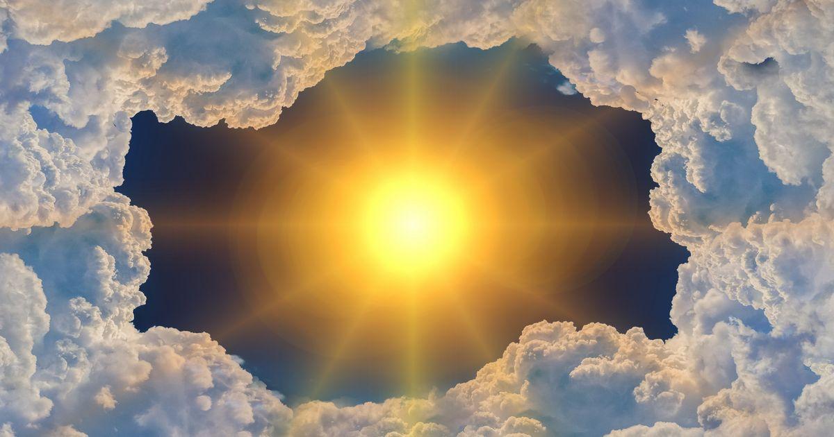 Niebo - Słońce otoczone chmurami